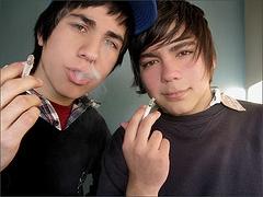ninos-fumando1